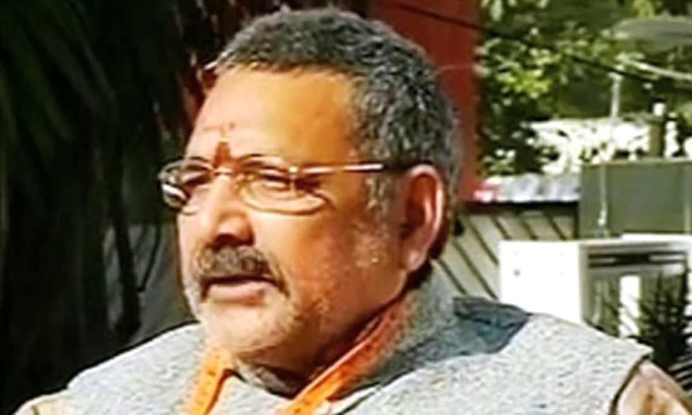 FIR against Giriraj Singh for 'white skin' comment against Congress president Sonia Gandhi, Sonia hits back!