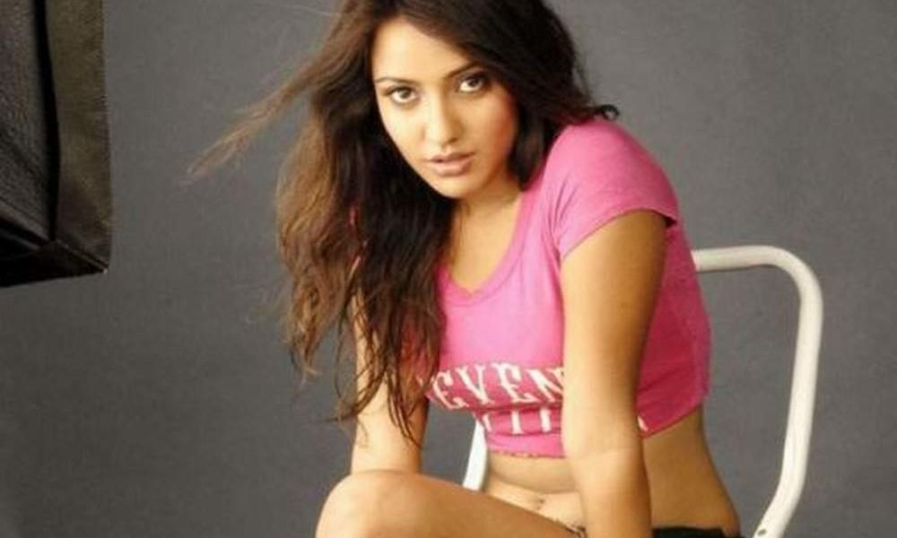 Neha Sharma at her best!