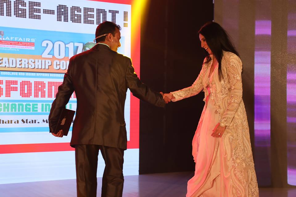 Renowned Fashion Designer Anamika Khanna Bestowed With Prestigious Indian Affairs Fashion Designer Of The Year 2017 At Ilc Power Brand 2017 Indian Affairs