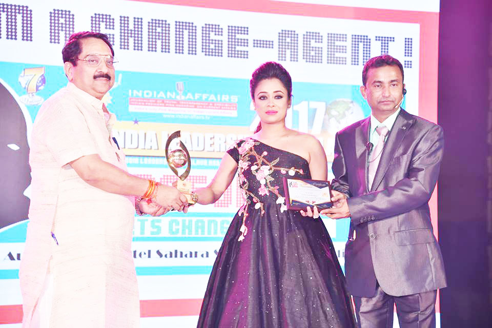 Innovative Fashion Designer Riya Kodali Wins Coveted Indian Affairs India S Most Promising Fashion Designer 2017 At The 8th Annual India Leadership Conclave 2017 Indian Affairs